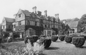 Derwent Hall, Derbyshire, demolished in 1944.